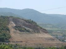 Ավարտվեցին Մ-6 Վանաձոր-Ալավերդի-Վրաստանի սահման ավտոճանապարհի 82-րդ կիլոմետրի հատվածում սողանքի հետևանքով փլուզված ճանապարհահատվածի շինարարական աշխատանքները